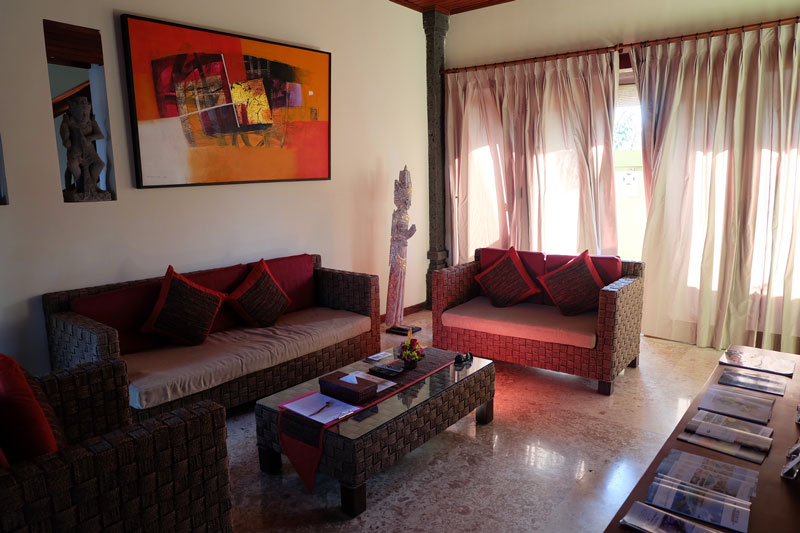 villa-hardevi-family-room