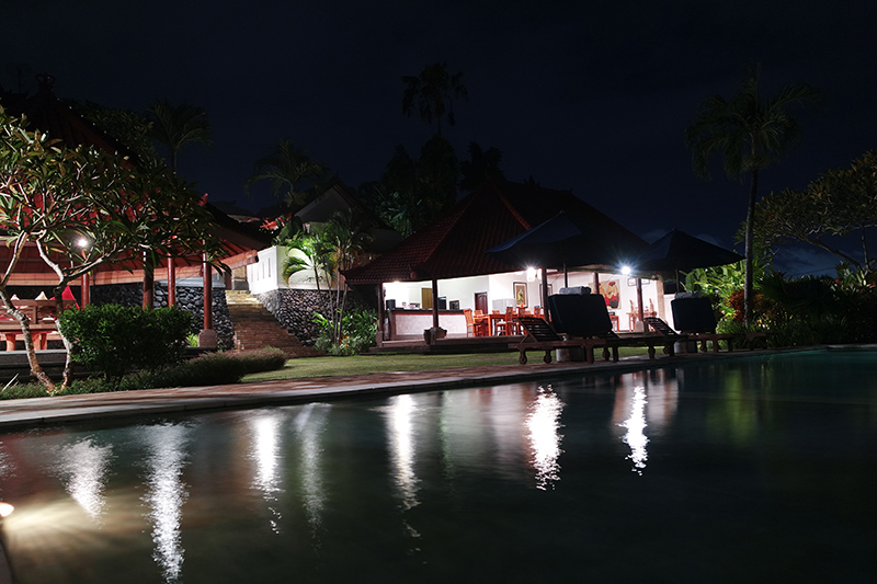 the-junno-villa-canggu-night-view